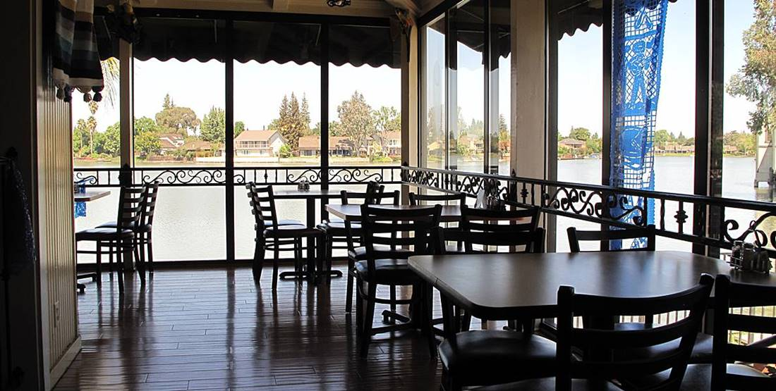 Lakeside Dining At Arroyos Cafe Stockton California Quail Lakes Romantic